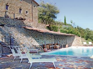 6 bedroom Villa in Castiglion Fiorentino, Tuscany, Arezzo / Cortona And Surroundi, Italy : ref 2040310 - Castiglion Fiorentino vacation rentals