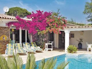 4 bedroom Villa in Saint Maxime, Cote D Azur, Var, France : ref 2041411 - Les Issambres vacation rentals