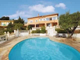 5 bedroom Villa in Saint Aygulf, Cote D Azur, Var, France : ref 2042526 - Saint-Aygulf vacation rentals