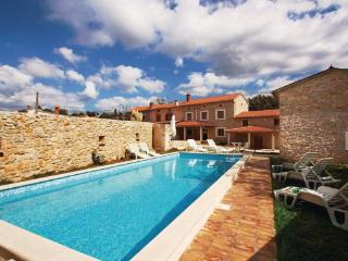 10 bedroom Villa in Barban, Istria, Croatia : ref 2043826 - Orihi vacation rentals