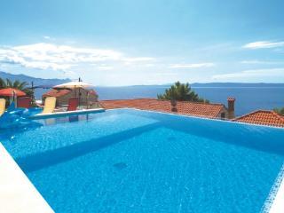 6 bedroom Villa in Brac, Central Dalmatia, Croatia : ref 2044282 - Sumartin vacation rentals
