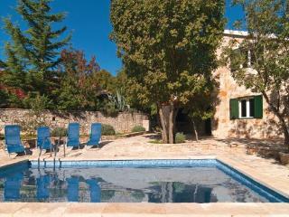 4 bedroom Villa in Brac, Central Dalmatia, Croatia : ref 2044447 - Gornji Humac vacation rentals
