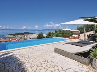 7 bedroom Villa in Makarska, Central Dalmatia, Croatia : ref 2044907 - Bratus vacation rentals