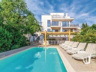 4 bedroom Villa in Crikvenica, Kvarner, Croatia : ref 2045056 - Dramalj vacation rentals
