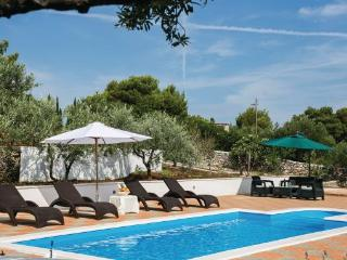 6 bedroom Villa in Brac, Central Dalmatia, Croatia : ref 2045652 - Milna vacation rentals