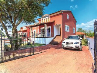 Perfect 5 bedroom Villa in Vinkuran - Vinkuran vacation rentals