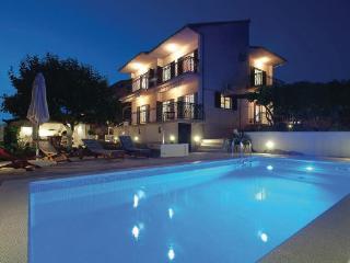 4 bedroom Villa in Ciovo, Central Dalmatia, Croatia : ref 2045881 - Okrug Gornji vacation rentals