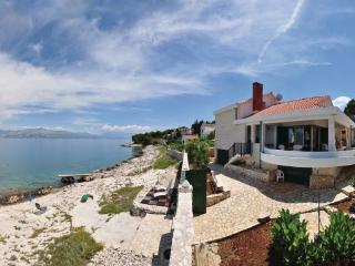 4 bedroom Villa in Brac, Central Dalmatia, Croatia : ref 2046969 - Brac vacation rentals