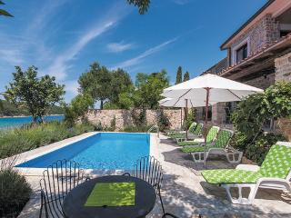 7 bedroom Villa in Rab, Kvarner, Croatia : ref 2046841 - Kampor vacation rentals