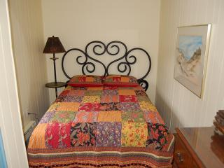 1 bedroom Cottage with Internet Access in Muskegon - Muskegon vacation rentals