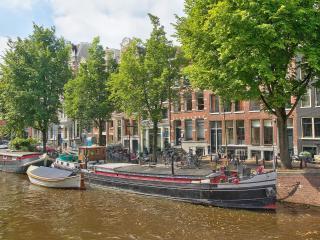 Beautiful Houseboat in the Jordaan Area - Amsterdam vacation rentals