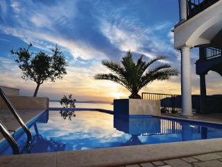 5 bedroom Villa in Krk, Kvarner, Croatia : ref 2087916 - Stara Baska vacation rentals