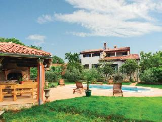 8 bedroom Villa in Liznjan, Istria, Croatia : ref 2088212 - Liznjan vacation rentals
