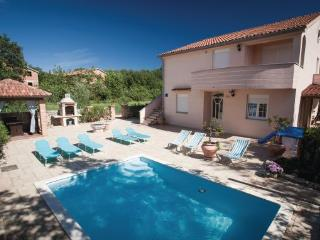 5 bedroom Villa in Krk, Kvarner, Croatia : ref 2088844 - Klimno vacation rentals