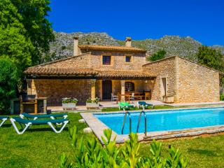 3 bedroom Villa in Pollenca, Mallorca : ref 2093031 - Pollenca vacation rentals