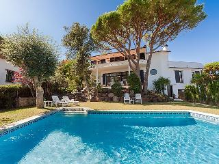 5 bedroom Villa in St Antoni de Calonge, Costa Brava, Spain : ref 2099058 - San Antonio de Calonge vacation rentals
