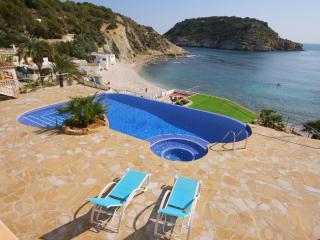 5 bedroom Villa in Javea, Costa Blanca, Spain : ref 2127151 - Javea vacation rentals