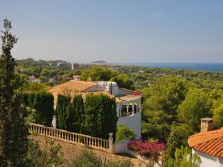 4 bedroom Villa in Denia, Alicante, Costa Blanca, Spain : ref 2127169 - Javea vacation rentals