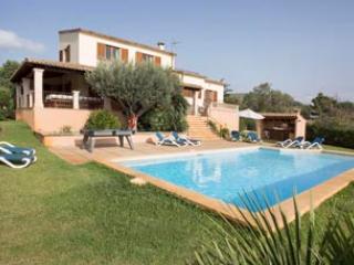 4 bedroom Villa in Pollenca, Mallorca : ref 2132428 - Image 1 - Pollenca - rentals