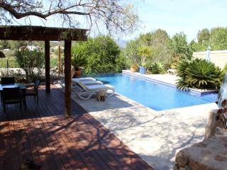4 bedroom Villa with Internet Access in San Agusti des Vedra - San Agusti des Vedra vacation rentals