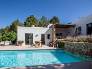 Beautiful 3 bedroom Villa in Cala Gracio - Cala Gracio vacation rentals