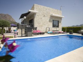 4 bedroom Villa in Altea, Alicante, Costa Blanca, Spain : ref 2135080 - Xirles vacation rentals