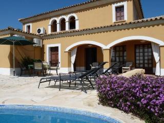 5 bedroom Villa in Altea, Alicante, Costa Blanca, Spain : ref 2135083 - Finestrat vacation rentals