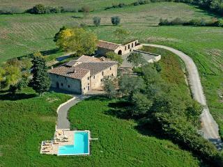 5 bedroom Villa in Castellina in Chianti, Chianti, Tuscany, Italy : ref 2135474 - Castellina In Chianti vacation rentals