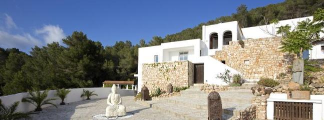 4 bedroom Villa in Cala D Hort, Ibiza : ref 2135596 - Image 1 - Es Cubells - rentals
