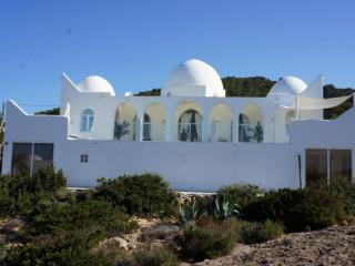 4 bedroom Villa in Cala Carbo, Islas Baleares, Ibiza : ref 2135601 - Cala Carbo vacation rentals
