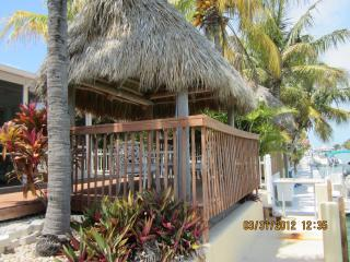 Duplex, Canal, Screen porch, Tiki hut, Pool access - Key Colony Beach vacation rentals