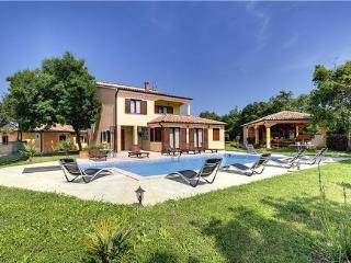 4 bedroom Villa in Valtura, Istria, Croatia : ref 2210732 - Valtura vacation rentals