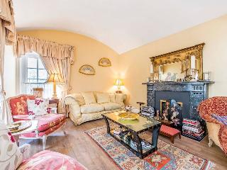 Belgravia  2 bed 2 bath House (1021) - London vacation rentals