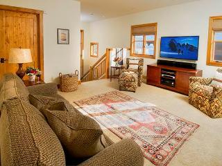Granite Ridge Lodge  - 4BR Home + Private Hot Tub #12 - LLH 63256 - Teton Village vacation rentals