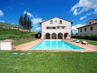 5 bedroom Villa in San Gimignano, Chianti Classico, Italy : ref 2215346 - Pancole vacation rentals
