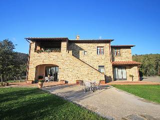 6 bedroom Villa in Castiglion Fiorentino, Cortona, Italy : ref 2215363 - Pieve di Chio vacation rentals