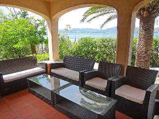 4 bedroom Villa in Saint Tropez, Cote d Azur, France : ref 2216225 - Saint-Tropez vacation rentals