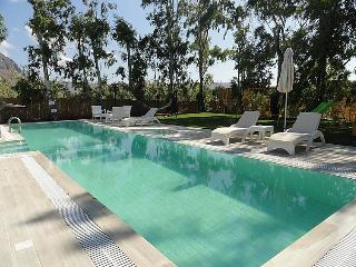 4 bedroom Villa in Gouves, Crete, Greece : ref 2216677 - Piskopiano vacation rentals
