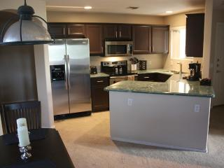 Great Paradise Valley Condo Location - Phoenix vacation rentals