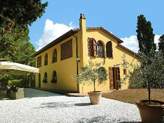 Comfortable Villa with Internet Access and Television - Montopoli in Val d'Arno vacation rentals