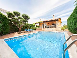 6 bedroom Villa in L Escala, Costa Brava, Spain : ref 2218181 - L'Escala vacation rentals