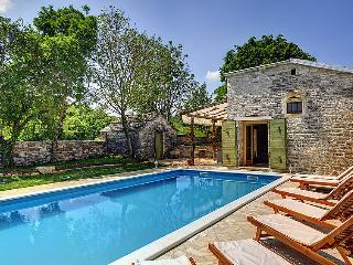 4 bedroom Villa in Gracisce, Istria, Croatia : ref 2218632 - Gracisce vacation rentals