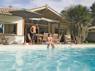 2 bedroom Villa in Moliets, Landes, France : ref 2221375 - Moliets vacation rentals