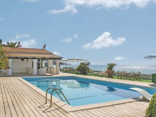 7 bedroom Villa in Parghelia, Calabria, Italy : ref 2222129 - Parghelia vacation rentals