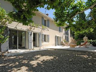 4 bedroom Villa in L'Isle Sur La Sorgue, Provence, France : ref 2226344 - Velleron vacation rentals