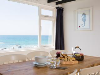 No5 Atlanta Apartments - Padstow vacation rentals