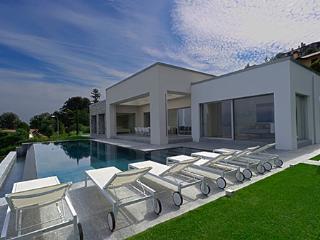 4 bedroom Villa in Stresa, Lago Maggiore, Piedmont And Lake Maggiore, Italy - Stresa vacation rentals
