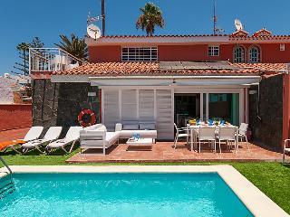 5 bedroom Villa in Maspalomas, Gran Canaria, Canary Islands : ref 2232894 - Maspalomas vacation rentals