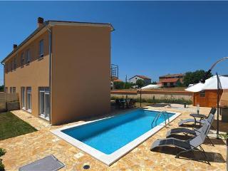 6 bedroom Villa in Liznjan, Istria, Croatia : ref 2234614 - Liznjan vacation rentals