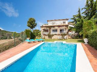 4 bedroom Villa in St Antoni De Calonge, Costa Brava, Spain : ref 2235361 - San Antonio de Calonge vacation rentals
